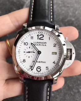 Panerai Luminor Marina white dial